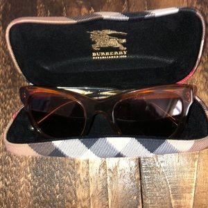 Burberry Sunglasses 😎!!!